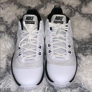 White-Black-Sliver Nike Air Versitile